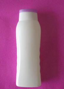 Shower Gel PE Plastic Bottle with Flip Top Cap pictures & photos