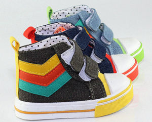 High-Top PVC Injected Canvas Shoes for Toddler (SNC-260006) pictures & photos