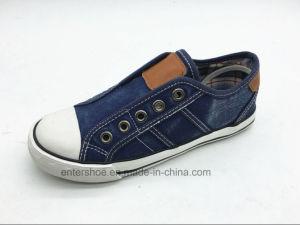 Vulcanized Low Cut Kids Sneaker for Autumn (ET-LH160270K) pictures & photos