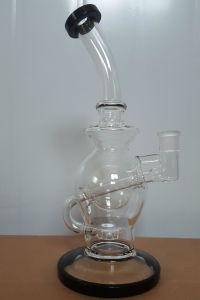 Canada Glass Smoking Pipe with Honey Comb Perc pictures & photos