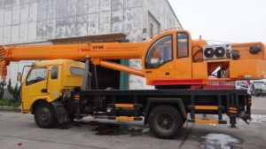 High Quality 12000kgs Truck Crane for Sale pictures & photos