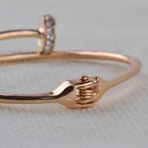 Nail Design Bangle Cuff Bracelet Bangle Luxury Crystal Nail Bracelet pictures & photos
