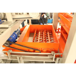 Qt4-20 Automatic Concrete Brick Machine pictures & photos