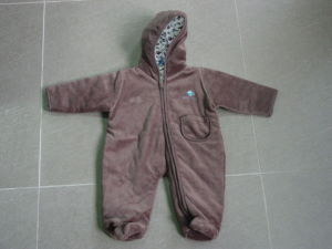 Children′s Garments Siamese Winter Cotton Polyester Caps Kids Clothing Apparel pictures & photos
