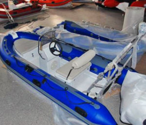 Small Fiberglass Fishing Rib Boat 4 Meters pictures & photos