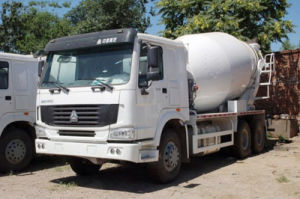 Sinotruck HOWO 8X4 6X4 4X2 Concrete Mixer Truck pictures & photos