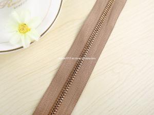 No. 5 Golden Brass Zipper Long Chain (GY-3001) pictures & photos