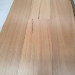 Square Edges Solid Blackbutt Timber Flooring pictures & photos