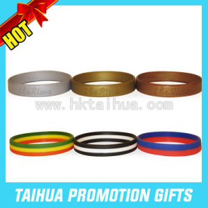 Custom Dual Layer Silicone Bracelet Rubber Wristband (TH-band025) pictures & photos