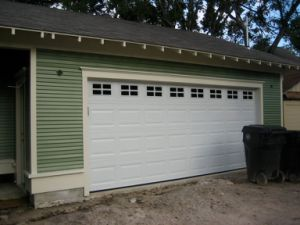 Residential Sectional Garage Door (40mm /50mm) pictures & photos