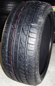 New UHP Tyre 205/50R16; 205/55R16; 225/50R16; 205/40R17; 225/40R18 pictures & photos