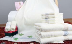 Towel-8 pictures & photos
