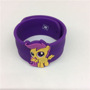 Multicolor Injection Embossed Cartoon Silicone Slap Bracelet pictures & photos