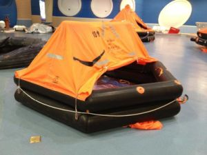 Throw Overboard Automatic Inflatable Life Raft for 35 Persons pictures & photos
