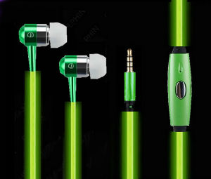 Custom Promotional Item/ Earphone/ LED Headphone/Factory Supply Glow Earphone LED Earphone pictures & photos
