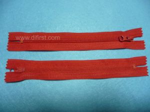 Nylon Zipper with Closed or Open End (FNZ002) pictures & photos