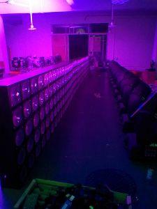 New 24PCS*10W RGBW 4in1 Waterproof LED PAR Light & Effect Light pictures & photos
