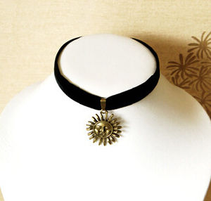 Black Velvet with Fashion Pendant Suede Choker Jewelry (XJW13671) pictures & photos