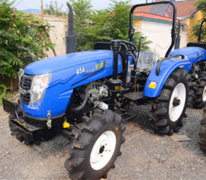 Compact 40HP 4WD Tractor (offer EPA IV or COC report) pictures & photos