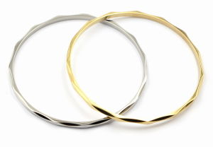 Stackable Stainless Steel Bangle with Curve Edges pictures & photos