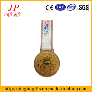 2017 Running Race Souvenir Metal Medal and Sport Badge pictures & photos