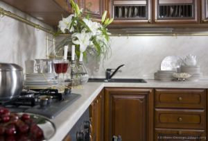 Golden Brown Kitchen Cabinet (GB1) pictures & photos