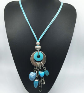 Blue Velvet Imitation Stone Alloy Necklace (XJW13770) pictures & photos