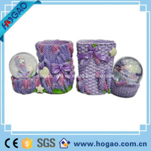 Polyresin Snow Globe with Pen Holder (HG167) pictures & photos