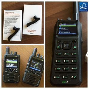 Low VHF Tactical Handheld Radio with Build in Bluetooth Function with Bluetooth Earphone pictures & photos
