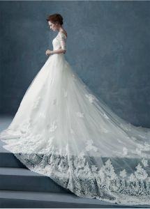 Lace Bridal Ball Gowns Cathedral off Shoulder 2016 Wedding Dresses (Z8005) pictures & photos