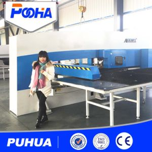 Thick Plate Punching Hydraulic CNC Turret Punching Machine pictures & photos