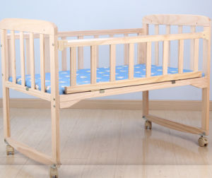 Solid Pine Wood Baby Bed (M-X3016) pictures & photos