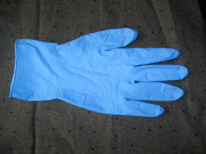 China Facotry Stock Hot Sold for Non Sterile Disposable Nitirle Examination Gloves pictures & photos