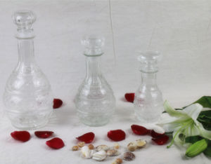 Whisky/Vodka/Red Wine Glass Bottle Decanter with Glass Stopper Cap pictures & photos