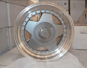 Beautiful Replica and Aftermarket Alloy Wheels pictures & photos