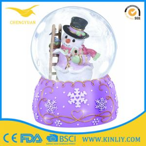 Custom Rersin Couple Snow Globes with Blowing Snow Music Snow pictures & photos