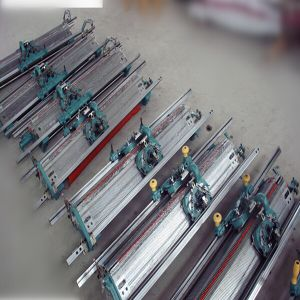 16g 42′′ Hand Driven Flat Knitting Machine pictures & photos