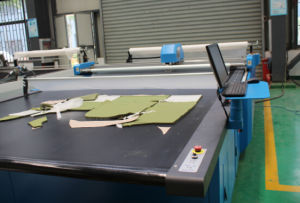 Computerized Pattern Cutting Machine Apparel Cutting Table pictures & photos
