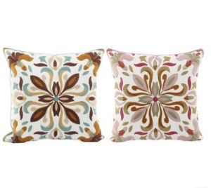 Cotton Pillow Canvas Wool Embroidery Decorative Cushion Cover Pillow Case Flower Design Classic Style pictures & photos