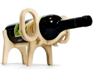 Mini Wooden Wine Bottle Holder China Handmade Animal Wine Rack pictures & photos