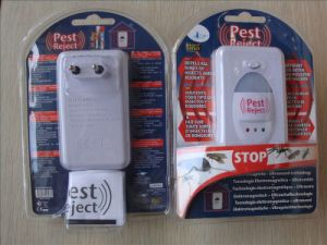 Ultrasonic Pest Repeller with LED Night Light (ZT09042) pictures & photos