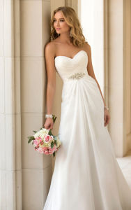 2018 Latest Designer Elegant White Mermaid Cap Sleeve V Neck Long Button Back Lace Wedding Dress Manufacturer Bangkok (MN1255) pictures & photos