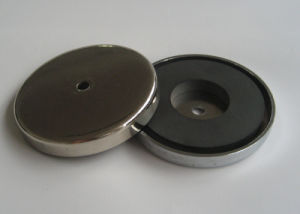 Round Base Ferrite Pot Magnet pictures & photos