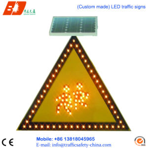 Solar Power LED Warning Triangles Street Signs pictures & photos