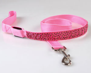 LED Chain Dog Leash, Lightweight and Comfortable, Available Colors pictures & photos