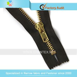 No. 8 Golden Brass Zipper pictures & photos