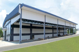 Modern Comfortable Cost Saving Light Steel Warehouse/Workshop pictures & photos