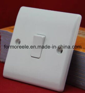 British Wall Switch /One Gang Two Way Switch /Button Switch pictures & photos