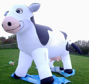 2017 Most Popular Inflatable Cow pictures & photos