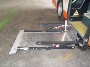 Electric Wheelchair Lift for Bus (WL-UVL) pictures & photos